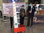 berita-surabaya-serah-terima-robot-spero-di-rs-royal-jumat-2662020.jpg