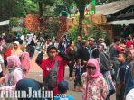 berita-surabaya-suasana-pengunjung-yang-memadati-kebun-binatang-surabaya-di-momen-libur-natal.jpg