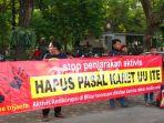 berita-tulungagung-aktivis-anti-korupsi-di-alun-alun-tulungagung.jpg