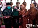 berita-tulungagung-menteri-desa-ppdt-abdul-halim-iskandar-berpeci-batik-hijau.jpg