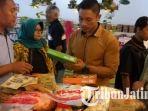 berita-tulungagung-razia-makanan-dinkes-tulungagung-di-supermarket_20171223_121231.jpg