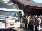 bus-cjh-tulungagung-meninggalkan-pendopo-kongas-arum-kusumaning-bangsa.jpg
