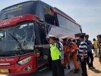 bus-pariwisata-tabrak-truk-tronton-di-tol-madiun-ngawi.jpg