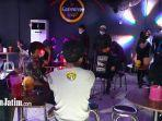 cafe-four-club-sawahan-surabaya-digerebek.jpg