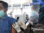 calon-penumpang-ka-jarak-jauh-saat-memanfaatkan-layanan-vaksinasi-di-stasiun-pasar-turi-surabaya.jpg