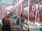 daging-sapi-di-pasar-tradisional-kolpajung-pamekasan.jpg