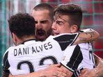 dani-alves-juara-coppa-italia_20170518_065929.jpg