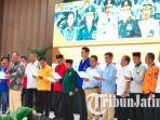 deklarasi-pemilu-damai-2019-di-mapolda-jatim_20180927_135733.jpg