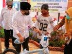 desa-purwoagung-banyuwangi-memberikan-sepeda-bmx-untuk-anak-yatim-sebagai-hadiah.jpg