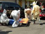 detik-detik-wanita-di-surabaya-meninggal-di-taksi-online.jpg