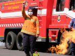 dinas-pemadam-kebakaran-pmk-menggelar-simulasi-dan-mitigasi-pencegahan-pengendalian-kebakaran.jpg