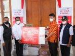 donasi-yayasan-wings-peduli-untuk-rumah-sakit-lapangan-surabaya-dan-bangkalan.jpg