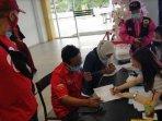 donor-darah-yang-digelar-partai-solidaritas-indonesia-dalam-rangka-hut-psi-ke-6-di-surabaya.jpg