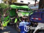 dump-truk-ringsek-seusai-terlibat-kecelakaan-di-perempatan-kapur-tuban.jpg