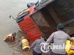 evakuasi-korban-truk-terperosok-di-sungai-brantas-kecamatan-mojo-kabupaten-kediri.jpg