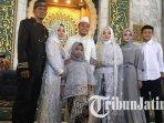 evan-dimas-dan-dewi-zahrani-saat-berfoto-bersama-evan-dimas-menikah-keluarga-evan-dimas.jpg