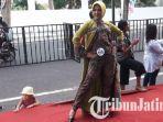 fashion-on-the-pedestrian-di-banyuwangi-batik-festival-bbf-2018.jpg