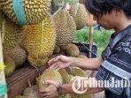 festival-mendem-duren-mabuk-durian-di-jalan-ki-ageng-gribig-kota-malang.jpg