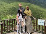 foto-liburan-ahmad-dhani-dan-mulan-jameela-bersama-kedua-anaknya.jpg
