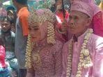 foto-pernikahan-kakek-abah-sarna-dan-noni-novita-handayani.jpg