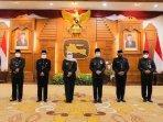 gubernur-jawa-timur-khofifah-indar-parawansa-melantik-tiga-pejabat-staf-ahli-gubernur.jpg