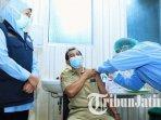 gubernur-jawa-timur-khofifah-indar-parawansa-meninjau-vaksinasi-covid-19-di-kota-mojokerto.jpg