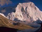 gunung-chamlang-di-taman-nasional-makalu-barun-nepal_20170822_202319.jpg