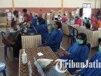 guru-di-kabupaten-madiun-jalani-vaksis-covid-19-dosis-kedua-ilustrasi-vaksin-covid-19.jpg