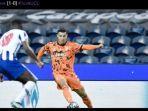 hasil-liga-champions-ronaldo-ngamuk-tak-diberi-penalti-juventus-takluk-1-2-dari-porto.jpg