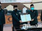 hendy-siswanto-dan-m-itqon-syauqi-usai-menandatangani-persetujuan-ranwal-rpjmd-jember-2021-2026.jpg