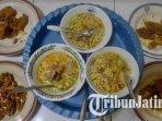 hidangan-becek-mawot-mak-windaryati-di-desa-sugiharjo-tuban-ilustrasi-kuliner-di-tuban.jpg