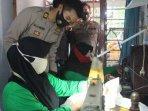 himpunan-wanita-disabilitas-indonesia-hwdi-cabang-sidoarjo-membuat-alat-pelindung-diri-apd.jpg