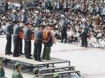 hukuman-untuk-koruptor-di-china.jpg