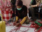 ibu-ibu-kreatif-desa-sambirejo-kecamatan-jiwan-kabupaten-madiun.jpg