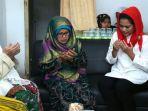 ibu-nyai-latifah-saat-memimpin-doa-untuk-gus-ipul-mbak-puti_20180618_221741.jpg