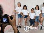 ilustrasi-model-anak-anak-dari-ardi-management-modeling-school-saat-pengambilan-foto.jpg