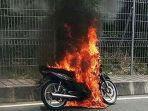 ilustrasi-motor-mendadak-terbakar.jpg