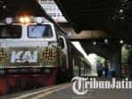 ilustrasi-pt-kereta-api-indonesia-ilustrasi-kai-ilustrasi-kereta-api-ilustrasi-mudik.jpg