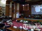 ilustrasi-rapat-paripurna-di-gedung-dprd-kabupaten-malang-pada-senin-16-agustus-2021.jpg