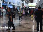 ilustrasi-suasana-di-bandara-juanda-imbas-bandara-halim-perdanakusuma-yang-banjir.jpg