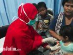 imunisasi-difteri-di-pukesmas-tenggilis-surabaya_20180319_124820.jpg