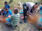 ipda-bj-handoko-membantu-wanita-bojonegoro-melahirkan-bayi-di-pinggir-jalan.jpg