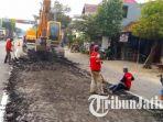 jalan-raya-mengkreng-purwoasri-kabupaten-kediri-sedang-diperbaiki_20170609_124645.jpg