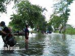 jalan-raya-morowudi-cerme-terendam-banjir-akses-warga-terputus.jpg