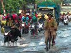 jalan-raya-pasuruan-probolinggo-terendam-banjir.jpg