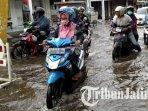 jalan-tambaksawah-kecamatan-waru-sidoarjo-banjir-ilustrasi-banjir.jpg