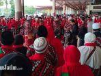 jamaah-umrah-indonesia-pulang-dari-makkah.jpg
