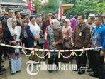 kampung-wisata-batik-gedog-diresmikan_20180503_191733.jpg