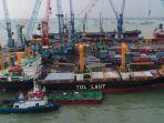 kapal-tol-laut-saat-sandar-di-pelabuhan-tanjung-perak-surabaya.jpg