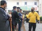 kapolres-kediri-kota-akbp-wahyudi-memimpin-kegiatan-bersih-bersih-di-masjid-auliya-setono-gedong.jpg